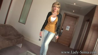 Lady Sonia in 'Hotel room mature'