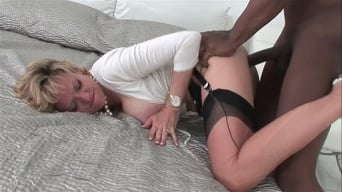 Lady Sonia in 'Interracial milf'