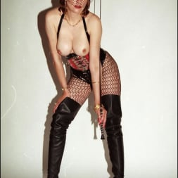 Lady Sonia in 'Lady Sonia' Latex and boots (Thumbnail 1)