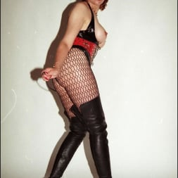 Lady Sonia in 'Lady Sonia' Latex and boots (Thumbnail 3)