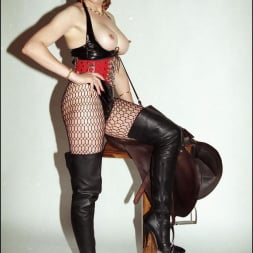 Lady Sonia in 'Lady Sonia' Latex and boots (Thumbnail 7)