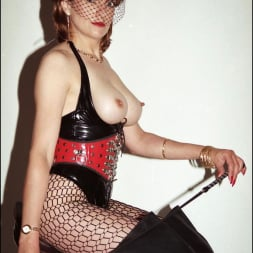 Lady Sonia in 'Lady Sonia' Latex and boots (Thumbnail 9)