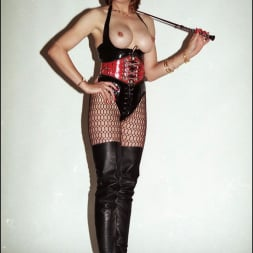 Lady Sonia in 'Lady Sonia' Latex and boots (Thumbnail 11)