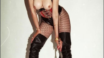 Lady Sonia in 'Latex and boots'