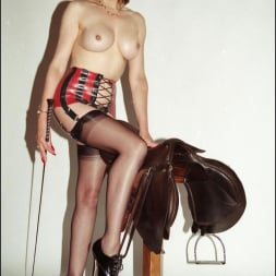 Lady Sonia in 'Lady Sonia' Latex and nylons (Thumbnail 1)