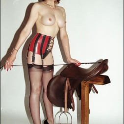 Lady Sonia in 'Lady Sonia' Latex and nylons (Thumbnail 4)