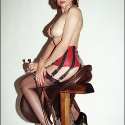 Lady Sonia in 'Lady Sonia' Latex and nylons (Thumbnail 6)