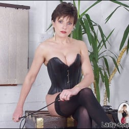 Lady Sonia in 'Lady Sonia' Leather corset milf (Thumbnail 3)
