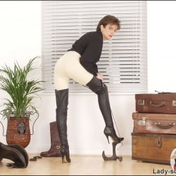 Lady Sonia in 'Lady Sonia' Leather thigh boots (Thumbnail 4)