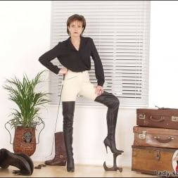 Lady Sonia in 'Lady Sonia' Leather thigh boots (Thumbnail 6)