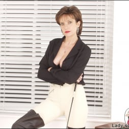 Lady Sonia in 'Lady Sonia' Leather thigh boots (Thumbnail 12)