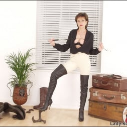 Lady Sonia in 'Lady Sonia' Leather thigh boots (Thumbnail 13)