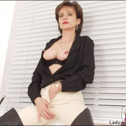 Lady Sonia in 'Lady Sonia' Leather thigh boots (Thumbnail 15)