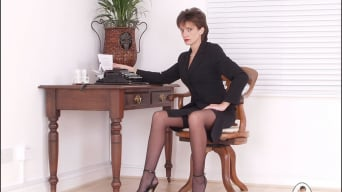 Lady Sonia in 'Leg mistress sonia'