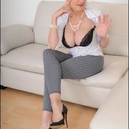 Lady Sonia in 'Lady Sonia' Leggings mature (Thumbnail 7)