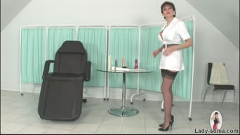 Lady Sonia in 'Leggy milf nurse'