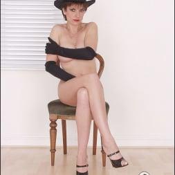 Lady Sonia in 'Lady Sonia' Leggy nude milf (Thumbnail 13)