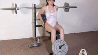 Lady Sonia in 'Leotard gym milf'