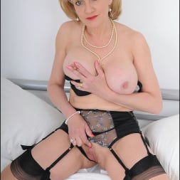 Lady Sonia in 'Lady Sonia' Lingerie mature (Thumbnail 12)