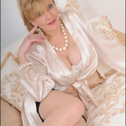 Lady Sonia in 'Lady Sonia' Lingerie trophy wife (Thumbnail 2)
