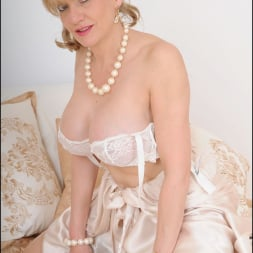 Lady Sonia in 'Lady Sonia' Lingerie trophy wife (Thumbnail 10)