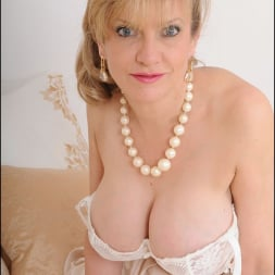 Lady Sonia in 'Lady Sonia' Lingerie trophy wife (Thumbnail 11)