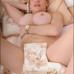 Lady Sonia in 'Lady Sonia' Lingerie trophy wife (Thumbnail 15)