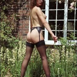 Lady Sonia in 'Lady Sonia' Long legs domina (Thumbnail 4)