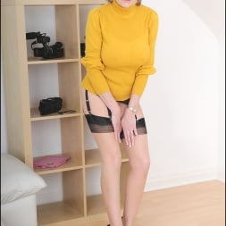 Lady Sonia in 'Lady Sonia' Long legs mature (Thumbnail 2)