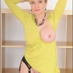 Lady Sonia in 'Lady Sonia' Long mature legs (Thumbnail 12)
