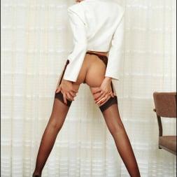 Lady Sonia in 'Lady Sonia' Long nylon legs (Thumbnail 3)