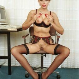 Lady Sonia in 'Lady Sonia' Long nylon legs (Thumbnail 15)