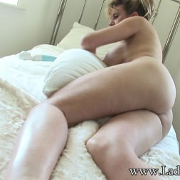 Lady Sonia in 'Lady Sonia' Mature in lingerie (Thumbnail 15)