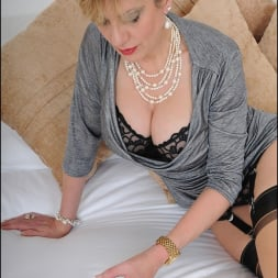 Lady Sonia in 'Lady Sonia' Mature trophy wife (Thumbnail 5)
