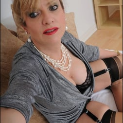 Lady Sonia in 'Lady Sonia' Mature trophy wife (Thumbnail 8)