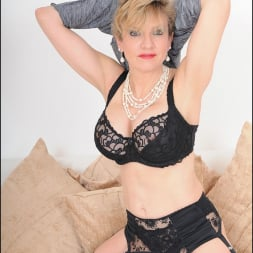 Lady Sonia in 'Lady Sonia' Mature trophy wife (Thumbnail 15)