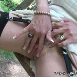 Lady Sonia in 'Lady Sonia' Milf clit outdoors (Thumbnail 7)