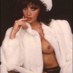 Lady Sonia in 'Lady Sonia' Milf in fur coat (Thumbnail 2)