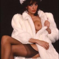 Lady Sonia in 'Lady Sonia' Milf in fur coat (Thumbnail 3)