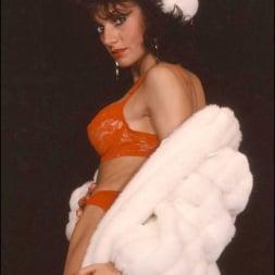 Lady Sonia in 'Lady Sonia' Milf in fur coat (Thumbnail 5)