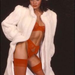 Lady Sonia in 'Lady Sonia' Milf in fur coat (Thumbnail 6)
