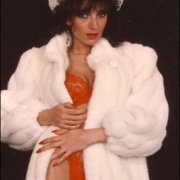 Lady Sonia in 'Lady Sonia' Milf in fur coat (Thumbnail 7)