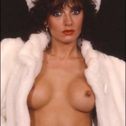 Lady Sonia in 'Lady Sonia' Milf in fur coat (Thumbnail 9)