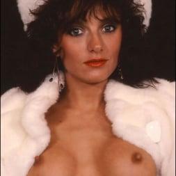 Lady Sonia in 'Lady Sonia' Milf in fur coat (Thumbnail 11)