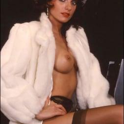 Lady Sonia in 'Lady Sonia' Milf in fur coat (Thumbnail 12)