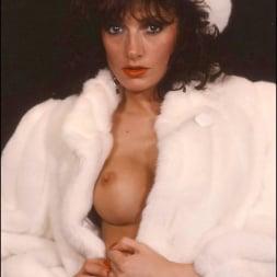 Lady Sonia in 'Lady Sonia' Milf in fur coat (Thumbnail 13)
