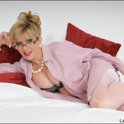 Lady Sonia in 'Lady Sonia' Nylons and heels (Thumbnail 1)
