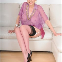 Lady Sonia in 'Lady Sonia' Nylons glamour milf (Thumbnail 1)