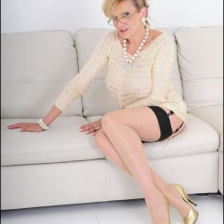 Lady Sonia in 'Lady Sonia' Nylons mature spread (Thumbnail 1)