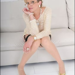 Lady Sonia in 'Lady Sonia' Nylons mature spread (Thumbnail 6)